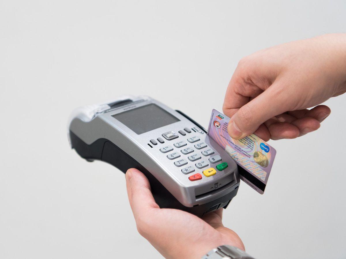 El BCRA redujo el plazo de la liquidación de ventas con tarjetas de crédito para MiPymes
